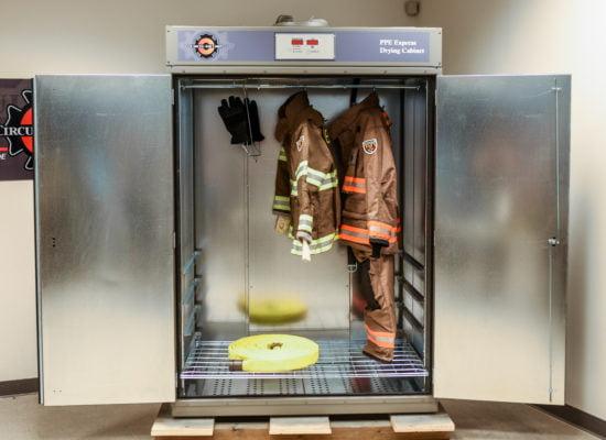 CAC EXPRESSDRYER 2020 2 1 550x400 1| CirculAir 6 PPE Express Gear Dryer